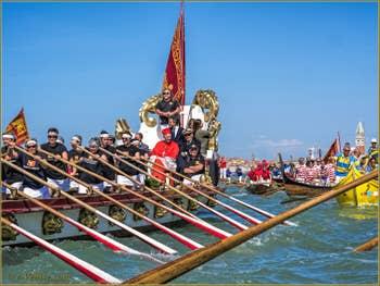 La fête de la Sensa à Venise, la Serenissima, au fond, le Campanile de Saint-Marc