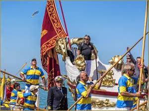 La fête de la Sensa à Venise, les épousailles, le mariage de Venise avec la mer : Le lancer de l'anneau d'or par le maire