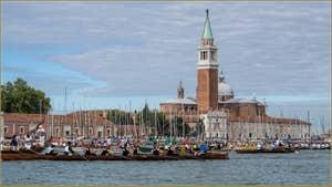Vogalonga Venise : Devant le Campanile et l'église de San Giorgio Maggiore
