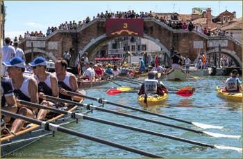 Vogalonga Venise : Devant le pont dei Tre Archi