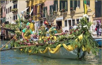 La Vogalonga à Venise sur le Canal de Cannaregio.