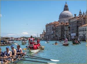 Vogalonga Venise : L'arrivée devant l'église de la Salute et la Dogana da Mar