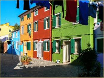 L'ile de Burano et ses maisons multicolores à Venise.