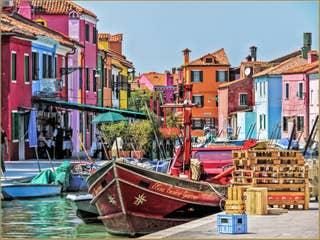 L'ile de Burano reflets colorés Venise.