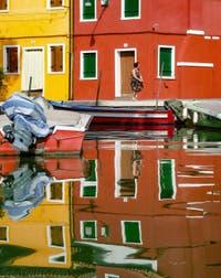 Reflets de rêve sur le Rio de Terranova sur l'île de Burano à Venise