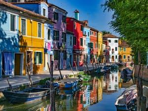 Les Couleurs et le calme de la Fondamenta de Terranova sur l'île de Burano à Venise