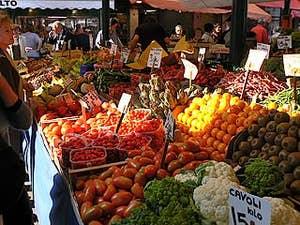 Le marché de l'Erberia à Venise, parfums et bouquets de légumes
