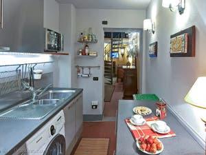 Cuisine de l'appartement Lorenzo Suite d'Or à Florence en Italie
