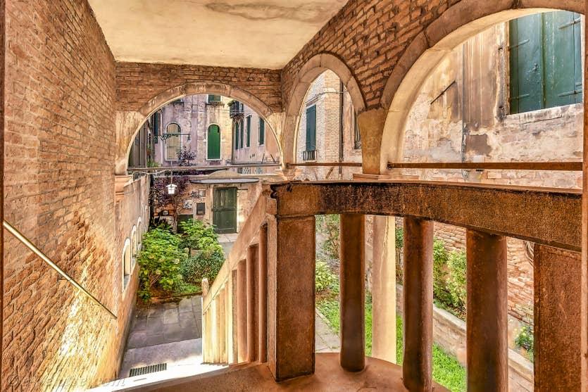Location Palazzetto Bernardo à Venise, le jardin et l'entrée du Palazzetto