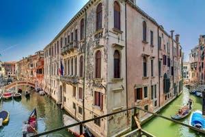 La vue depuis le Palazzetto Bernardo à Venise en Italie