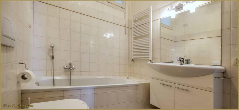 Location Ca' Colombina à Venise, la troisième salle de bains