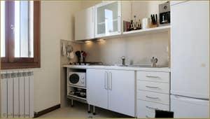 La Cuisine de l'appartement la Tana, dans le Castello à Venise.