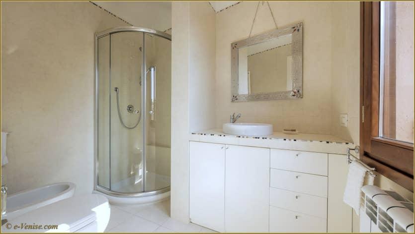 Location La Tana à Venise, la salle de bains