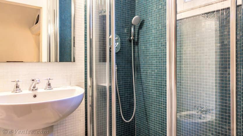 Location Furatola Aponal à Venise, la salle de bains