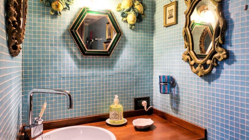 Location Furatola Aponal à Venise, les toilettes