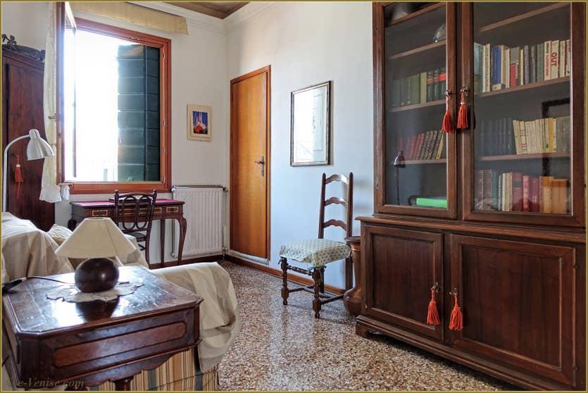 Location Greci View à Venise, petit salon dans l'entrée de l'appartement