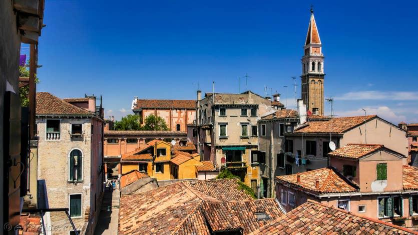 Location Casa dei Bombardieri, la vue sur les toits de Venise et le campanile de San Francesco de la Vigna
