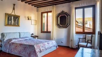 La chambre salon du studio Cerchieri Suite à Venise.