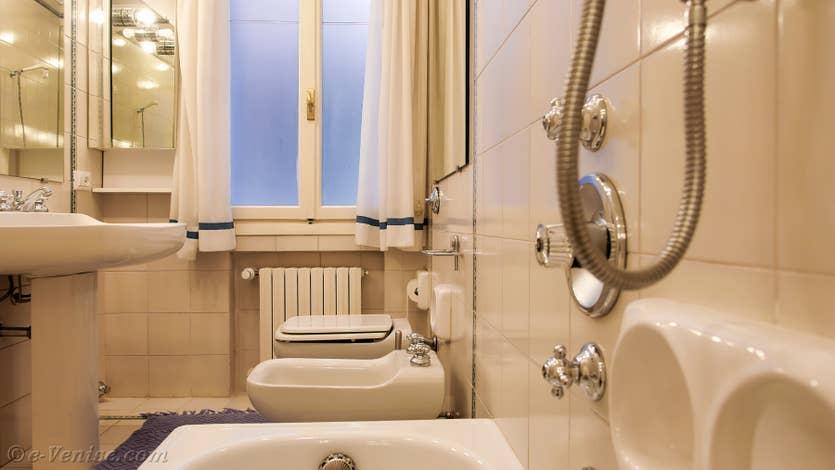 Location Cristie Terrasse à Venise, la salle de bains