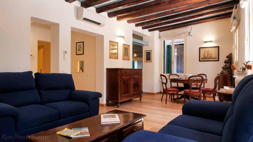 Location Cristie Terrasse à Venise, le salon salle à manger