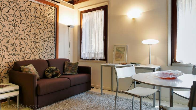 Location Ferali Zulian à Venise, le salon salle à manger