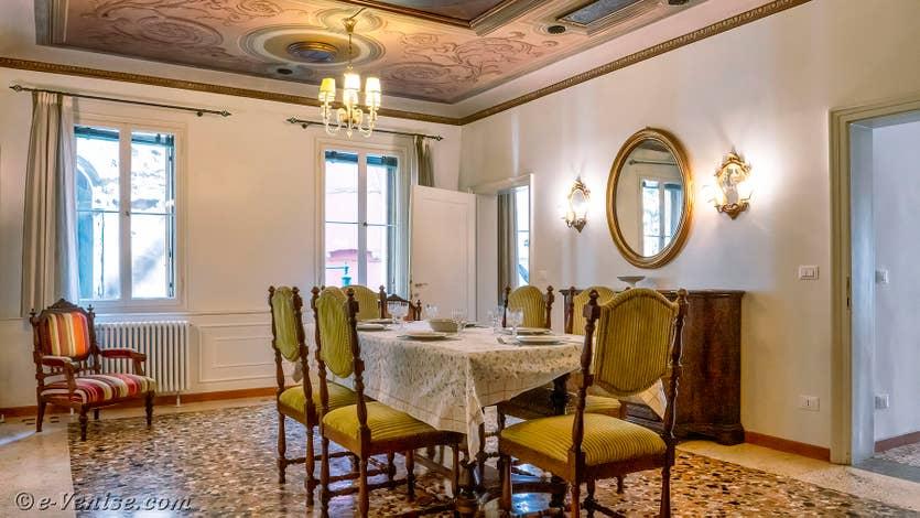 Location Goldoni Vista, la salle à manger