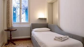 La première chambre individuelle de Goldoni Vista, dans le Sestier de Saint-Marc à Venise.