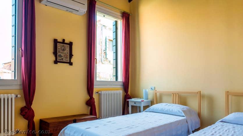 Location le jardin d'Alice à Venise, la troisième chambre au 2e étage