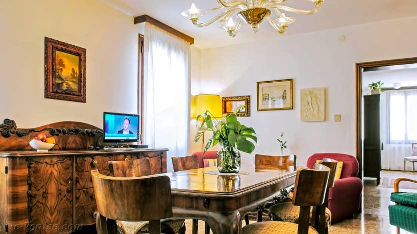 Location Jardin del Marangon à Venise, le salon salle à manger
