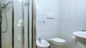 La seconde salle de bains de l'appartement