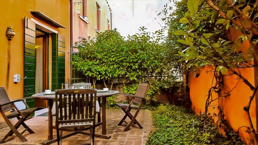 Location Jardin de l'Orto 2 à Venise, la cour jardin