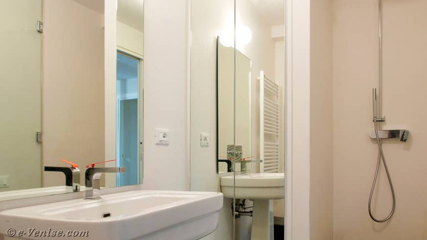 Location Jardin Santo, salle de bains
