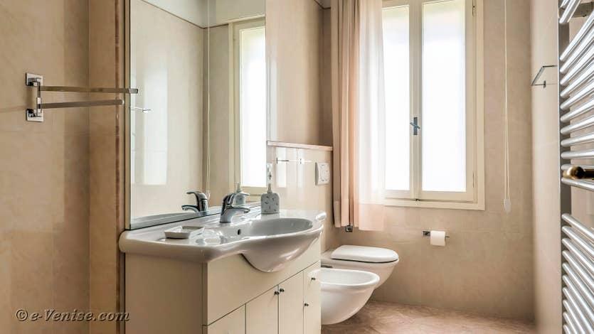 Location Lido Gallo Vista à Venise, salle de bains