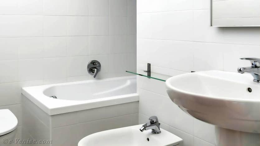 Location Lorenzo Severo Terrasse à Venise, la salle de bains