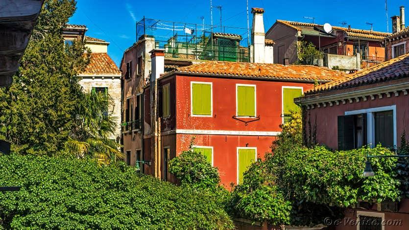 Location Madona Greci à Venise, la vue sur le campiello depuis l'appartement