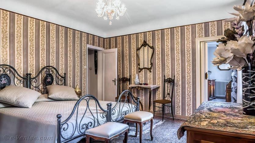Location Madona Greci à Venise, la chambre matrimoniale