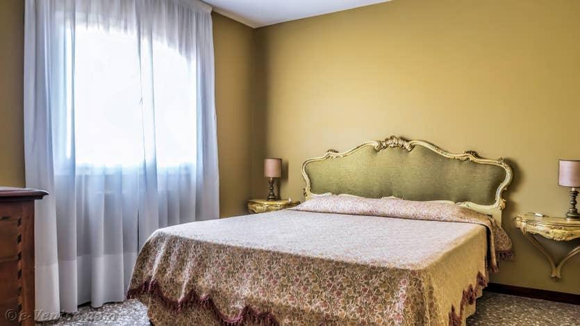 Location Ognissanti Trifora à Venise, la seconde chambre matrimoniale