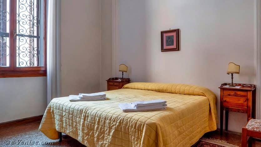 Location Palazzo Lion à Venise, la première chambre