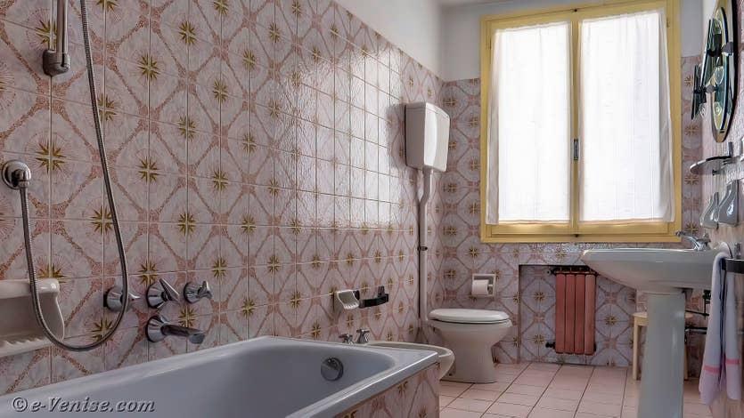 Location Palazzo Lion à Venise, la première salle de bains