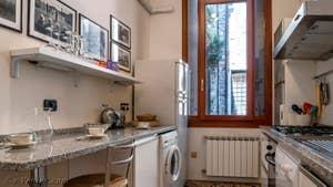 La Cuisine de l'appartement Palazzo Silvestro Rava, dans le Sestier de San Polo à Venise.