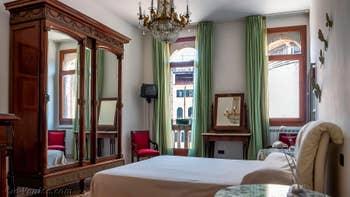 La Chambre Matrimoniale de l'appartement Palazzo Silvestro Rava, dans le Sestier de San Polo à Venise.
