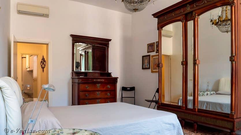 Location Palazzo Silvestro Rava à Venise, la chambre matrimoniale