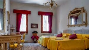 La Chambre Jaune de l'appartement Palazzo Silvestro Rava, dans le Sestier de San Polo à Venise.