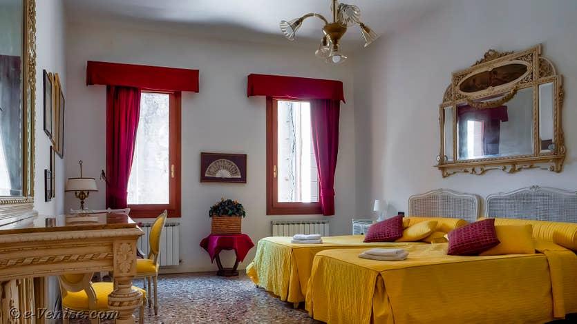 Location Palazzo Silvestro Rava à Venise, la chambre jaune