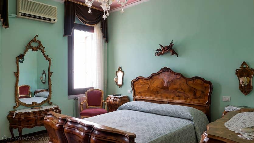 Location Santa Maria Terrasse à Venise, la chambre matrimoniale