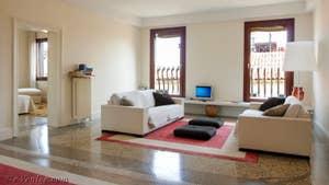 Le Salon de l'appartement Teatro Garzoni, dans le sestier de Saint-Marc à Venise.