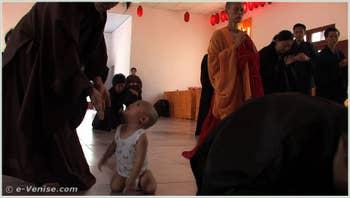 Xifang Qu Ci Bu Yuan (Reconstructing Faith) de Wen Hai (Huang Wenhai) avec : Master Liao Guo, Master Shao Yun