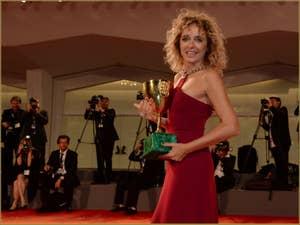 Valeria Golino, Coupe Volpi pour la Meilleure Actrice à la Mostra de Venise, le Festival du Cinéma de Venise 2015