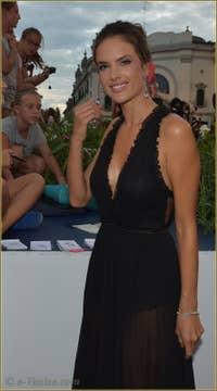 Alessandra Ambrosio à la Mostra de Venise, le Festival du Cinéma de Venise 2015