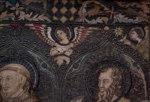 Jacopo di Cambio, Jacopo Cambi, Couronnement de la Vierge, huit anges et quatorze saints, palle en toile de lin brodée de fils de soie argent et or, 1336, Galerie de l'Accadémia à Florence en Italie